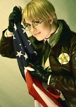 Cosplay-Cover: Alfred F. Jones [Uniform]