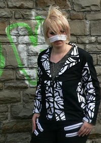 Cosplay-Cover: Reita - Distress and Coma