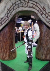 Cosplay-Cover: Miqo'te Snow Villiers