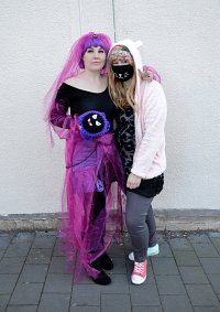 Cosplay-Cover: Decora Isi
