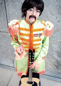 Cosplay-Cover: John Lennon [Sgt.Pepper's Lonely Hearts Club Band]