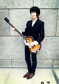 Cosplay-Cover: Sir (James) Paul McCartney [Press Conference]