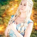 Cosplay: Daenerys Targaryen [Entertainment Weekly]