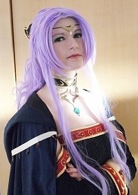Cosplay-Cover: Meisterin Hermina