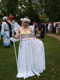 Cosplay-Cover: Neo Queen Serenity Crystal