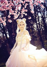 Cosplay-Cover: Queen Serenity