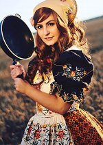 Cosplay-Cover: Hungary - Elizaveta Héderváry (Anime Kleid Remake)
