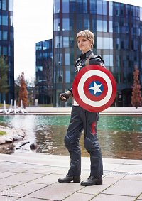 Cosplay-Cover: Steve Rogers/ Captain America (Age of Ultron Suit)