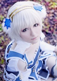 Cosplay-Cover: Claire [De L'ange Souriant]
