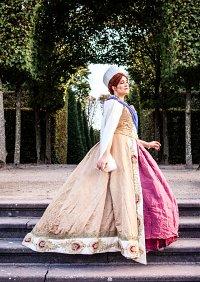 Cosplay-Cover: Grand Duchess Anastasia Nikolaevna of Russia