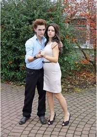 Cosplay-Cover: Bella Cullen (Breaking Dawn)