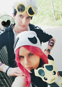 Cosplay-Cover: Team Skull Grunt