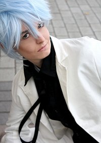 Cosplay-Cover: Karoku [white Suit]