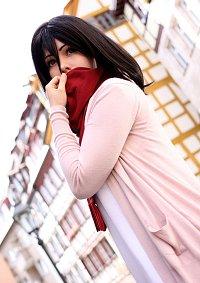 Cosplay-Cover: Mikasa Ackerman (Child)