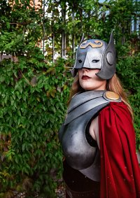 Cosplay-Cover: Female Thor aka Jane Foster