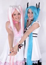 Cosplay-Cover: Sakura Miku  ~ World is ours