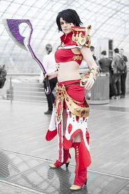Cosplay-Cover: Sorcerer's armor (human female)