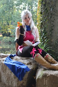 Cosplay-Cover: Micaiah // Radiant Dawn