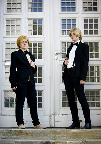 Cosplay-Cover: Alfred F. Jones [Formal]