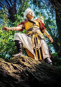 Cosplay-Cover: Female Monk