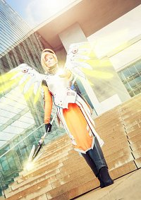 Cosplay-Cover: Mercy [Dr. Angela Ziegler]