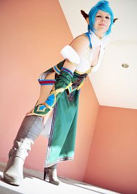 Cosplay-Cover: Eleyna Farrence