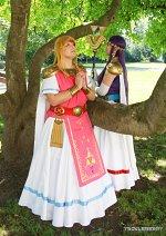 Cosplay-Cover: Prinzessin Zelda *A Link between Worlds*