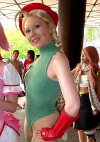 Cosplay-Cover: Cammy (Delta Red)
