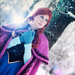 Cosplay: Anna (Oaken dress)