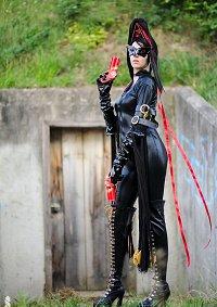 Cosplay-Cover: Bayonetta [Umbran Elegance Nr.1#]