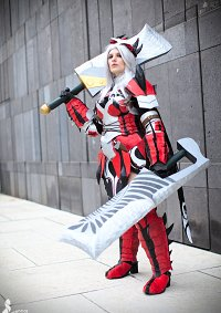 Cosplay-Cover: Flame King Rathalos Armor