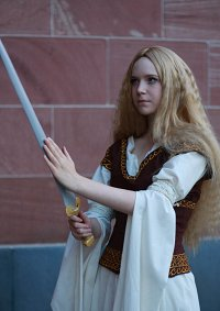 Cosplay-Cover: Eowyn (Schildmaid Rohans)