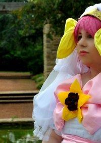 Cosplay-Cover: Momoko Hanasaki - Wedding Dress