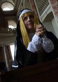 Cosplay-Cover: Schwester Garnet ♰ Carnelian