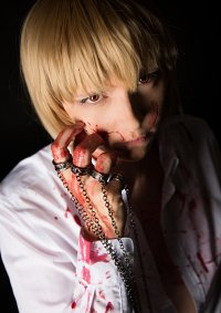 Cosplay-Cover: Kurapika [Suit and Blood]