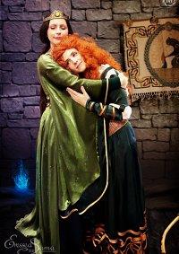 Cosplay-Cover: Queen Elinor