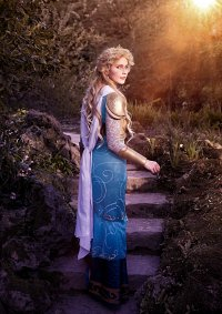 Cosplay-Cover: Frigga (Movie Version - Thor 2)
