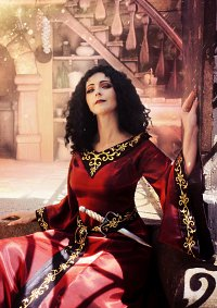 Cosplay-Cover: Mother Gothel [Designer Fairytale Collection]