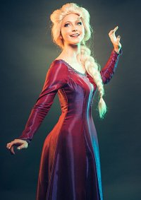 Cosplay-Cover: Elsa (Nachthemd,  Frozen 2)