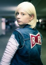 Cosplay-Cover: Android C18