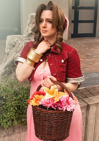 Cosplay-Cover: Aerith Gainsborough [FFVII]