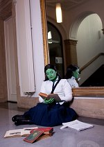 Cosplay-Cover: Elphaba [Shiz University/White Jacket]