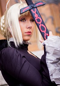 Cosplay-Cover: Alter Saber