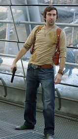 Cosplay-Cover: Nathan Drake (Uncharted 1)