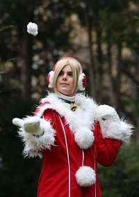 Cosplay-Cover: Ellen (Weihnachtsmantel)