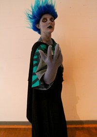 Cosplay-Cover: Hades (Mocchi Complexx)