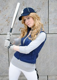 Cosplay-Cover: Rosalie Hale (Baseball Outfit)