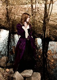 Cosplay-Cover: Elizabeth Swann (Purple Dress)