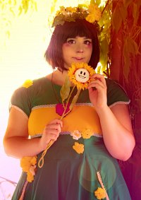 Cosplay-Cover: Chara (Flowerdress design)