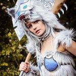 Cosplay: Frostwolf - Gijinka
